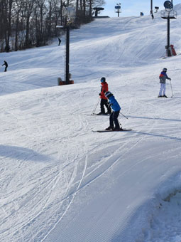 Paoli Peaks - Ski Ride Tube Live Webcam, Snow Reports, Trail Maps
